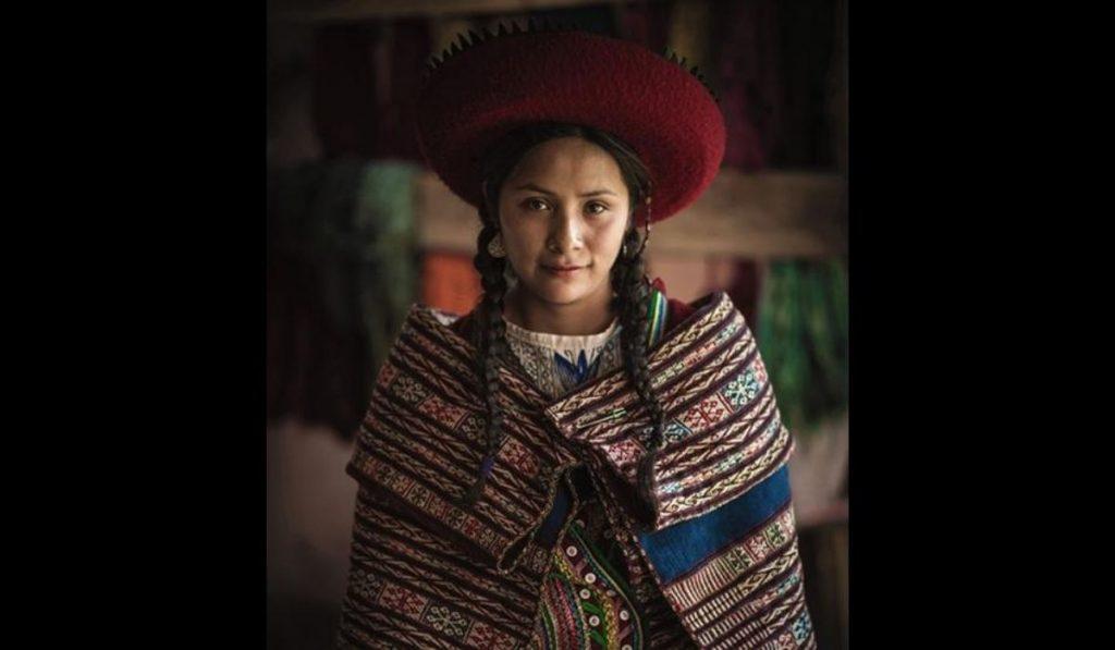 Hermosas faciones de las mujeres peruanas